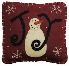 View these Gorgeous Handmade Christmas Pillow Inspirations for easy decoration and great gifts. These gorgeous Christmas handmade Pillows are wonderful to your decor. Christmas Cushions, Christmas Pillow, Felt Christmas, Handmade Christmas, Christmas Crafts, Winter Christmas, Xmas, Christmas Ornaments, Christmas Applique