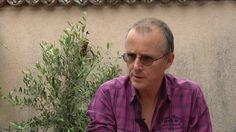 """""""Parmi ceux qui ont tiré la sonnette d'alarme, on trouve le Dr limougeaud Pierre-Michel Périnaud, le président de l'association """"Alerte des Médecins sur les Pesticides""""""""...  http://france3-regions.francetvinfo.fr/limousin/haute-vienne/limoges/prolongation-du-glyphosate-le-medecin-limougeaud-qui-demande-son-interdiction-reagit-1038221.html"""
