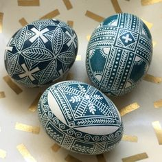 Chocolates, Easter Egg Pattern, Easter Egg Designs, Ukrainian Easter Eggs, Easter Egg Crafts, Egg Art, Spring Activities, Egg Decorating, Holidays And Events