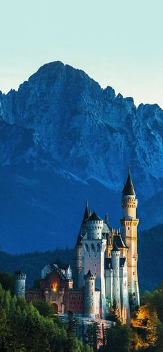 Neuschwanstein Castle, Bavaria, Germany (Photographer: Thomas Ulrich)