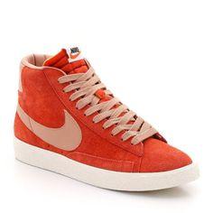 c3f3c74f8971 ... Nike Blazer Mid premium Vintage suede Chaussure pour Femme Rouge Blanc
