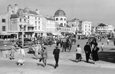 Worthing, old images & photos, history in pictures, West Sussex, England Local History, Key West, Old Photos, Brighton, Worthing, Places To Travel, Trail, England, Street View