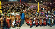 Celebración de la independencia de Timor Oriental en 2002. (Foto de la ONU/Sergey Bermeniev) Timor Oriental, Asia, Basketball Court, Sports, Hs Sports, Sport