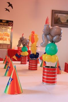 Balloon animals! LOVE!