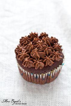 chOcOlate tOrte cupcakes