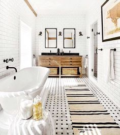 For This East Hampton, New York, Bathroom, Timothy Godbold Paired  Subway Tiled Walls With A Waterworks Marble Mosaic Floor. The Space Also  Features A Bong ...
