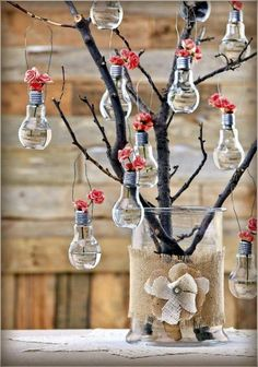 40 Original Light Bulb Aquarium Decor Ideas – Bored Art 40 Original Glühbirne Aquarium Dekor Ideen – gelangweilte Kunst For the Home Handmade Home Decor, Diy Home Decor, Decor Crafts, Room Decor, Handmade Decorations, Light Bulb Crafts, Recycled Light Bulbs, Light Bulb Vase, Diy And Crafts