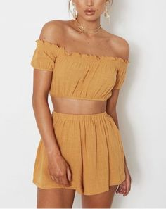 Crop tops ideas for Crop top outfits Summer Outfits Travel Outfits 2019 Spring Outfits Spring Summer Fashion, Spring Outfits, Trendy Outfits, Fashion Outfits, Summer Outfits Women 20s, Beach Outfits, Fashion Pants, Winter Fashion, Fashion Mode
