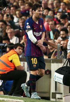 Leo Messi is injured during the match between FC Barcelona and Sevilla CF, corresponding to the week 9 of the Liga Santander, played at the Camp Nou, on 20th October 2018, in Barcelona, Spain. Photo: Joan Valls/Urbanandsport /NurPhoto -- (Photo by Urbanandsport/NurPhoto via Getty Images) Messi Soccer, Messi 10, Breakin Bad, Lionel Messi Wallpapers, Camp Nou, World Of Sports, Best Player, Barcelona Spain, Football Players