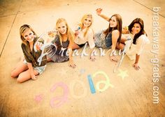 Senior pictures with your besties:) Prom Photos, Prom Pictures, Girl Photos, Cheer Pictures, Friend Senior Pictures, Friend Pictures, Graffiti Pictures, Teen Photography, Friend Photography