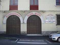 DSC09216 (olyss) Tags: vacances basque biarritz chistera pelote olyss
