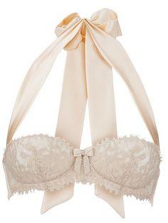 Love the ribbon halter tie!