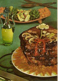 "Glazed Stuffed Meat, from Delectable Dishes From Spain"", with a festive cauliflower flower to dress it up. Retro Recipes, Old Recipes, Vintage Recipes, Vintage Food, Ethnic Recipes, Vintage Party, Scary Food, Gross Food, Weird Food"