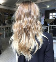 hair vibes Colour cut styling by for this beautiful - HAIR hair vibes Colour cut styling by for this beautiful Blonde Hair Looks, Blonde Wavy Hair, Beach Blonde Hair, Beach Blonde Highlights, Cream Blonde Hair, Brunette Hair, Balayage Blond, Balayage Highlights, Edges Hair