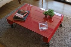 stellar pallet table-- a diy for sure