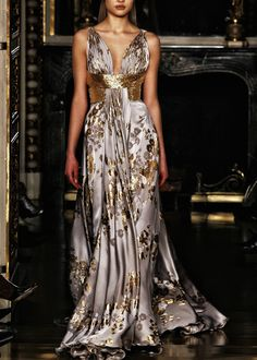 For the one that want to see the front of Zuhair Murad, here it is!