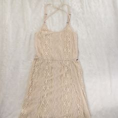 Billabong maxi dress NWOT - wish I could show you in pictures the beauty of this dress.. Beautiful cream lace. Never worn. Says XS petite, but it's still too long for me. Billabong Dresses Maxi