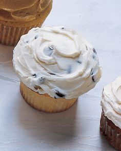chocolate chip cupcakes w/chocolate chip frosting
