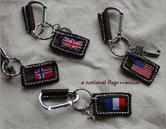 ちいさな国旗のキーホルダー - ちっちゃなよろずや Personalized Items, Bite Size