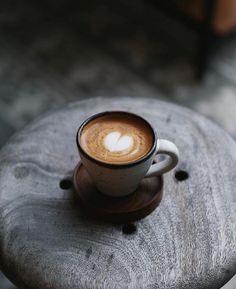 Which Coffee Has The Most Caffeine Info: 2667516840 Coffee Latte Art, Coffee Geek, Coffee Pods, Coffee Cafe, Espresso Coffee, Espresso Cups, Coffee Shot, I Love Coffee, Latte Macchiato