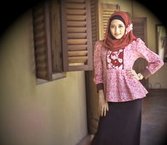 hijab patchwork https://www.facebook.com/pages/Pusat-Busana-Batik-Etnik-De-Atmo/174024116001229?ref=hl