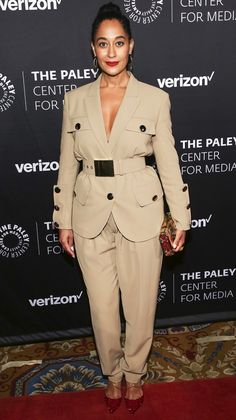 tracee-ellis-ross - Tracee Ellis Ross in Michael Kors - Celebrity Summer Style, Best Celebrity Dresses, 90s Inspired Outfits, Stylish Outfits, Fashion Outfits, 90s Shirts, Tracee Ellis Ross, 80s Outfit, Black Women Fashion