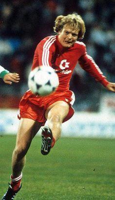 Niederlage im ersten Bundesliga-Livespiel: Lerby (M.) und Bayern in Gladbach 1984