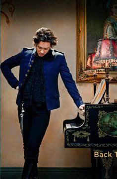 Rufus Wainwright- good performer, tears up the piano, & writes pretty & unique songs.