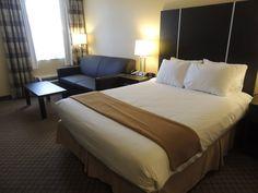 Quality Hotel Hamilton 905-578-1212 - Hotel, Travel, Tourism, HamOnt, Hamilton, Ontario, Accommodations, Stoney Creek Quality Hotel, Hamilton Ontario, Travel Tourism, Guest Room, Flat Screen, Cozy, Rooms, Bed, Furniture