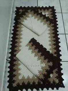 DIY Tutorial - Learn How to Crochet Flowing Flower - Flower Crochet Carpet, Crochet Home, Love Crochet, Diy Crochet, Crochet Doilies, Crochet Stitches, Crochet Patterns, Learn Crochet, Crochet Table Runner
