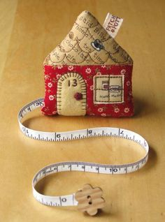 Cute little house measuring tape - I want to try and make one of these. Should be easy enough to figure out... I hope!