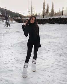 Snow Outfits For Women, Winter Mode Outfits, Winter Fashion Outfits, Cute Outfits, Ski Outfits, Winter Snow Outfits, Fashion Clothes, Summer Outfits, Ski Fashion