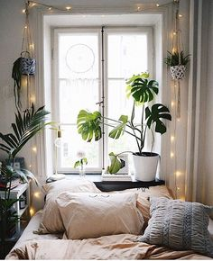 Want to Know More About Space Themed Bedroom Ideas for Kids and Adults? The little bit of space usually means a minimal, clutter free style is most li. Bohemian Living Rooms, Living Room Decor, Bedroom Themes, Bedroom Decor, Bedroom Ideas, Bedroom Interiors, Bedroom Plants, Design Bedroom, Interior Design Themes