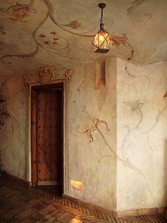 palazzonostalgy: Hotel Castillo Alcazar (via artesserviuntvitae) Ceiling Painting, Ceiling Murals, Floor Ceiling, Mural Painting, Wall Murals, Wall Art, Faux Walls, Textured Walls, Chinoiserie Wallpaper