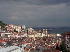 Lisboa vista desde el mirador de San Pedro de Alcántara. Bairro Alto