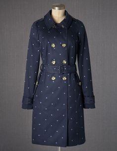 Ein umwerfender Trenchcoat - ich persönlich pfeife ja auf Burberry, wenn ich Polka Dots haben kann :)
