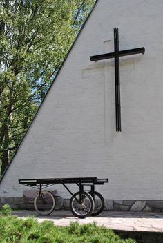 Honkanummen siunauskappeli, Erik Bryggman 1955 - Bryggmania Vantaalla   Talotarinat
