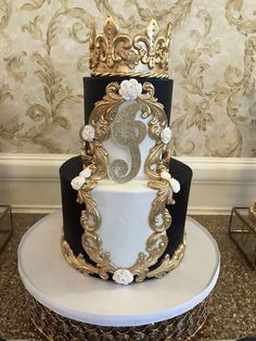 Fit for a Prince Baptism Party Ideas Prince Cake, Prince Party, Beautiful Wedding Cakes, Beautiful Cakes, Shabby Chic Cakes, Royal Cakes, Crown Cake, 18th Birthday Cake, Baptism Party