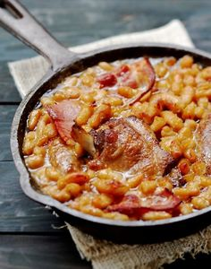 Traditional French Recipes, French Food, Hawaiian Pizza, Cheeseburger Chowder, Entrees, Bacon, Healthy Eating, Dinner, Stew