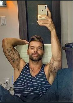 Tatted Guys, Beautiful Men, Beautiful People, Puerto Rican Singers, Gay, Scruffy Men, James Rodriguez, Hommes Sexy, Sexy Men