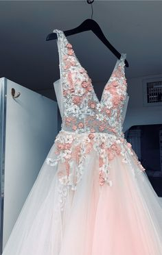 V Neck Floral Champagne Tulle Prom Dresses with Beadings ML.- V Neck Floral Champagne Tulle Prom Dresses with Beadings - Pretty Prom Dresses, Hoco Dresses, Tulle Prom Dress, Dance Dresses, Ball Dresses, Homecoming Dresses, Cute Dresses, Beautiful Dresses, Ball Gowns