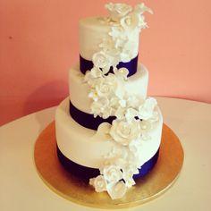 Navy and white wedding cake by 2tarts Bakery. New Braunfels, TX   www.2tarts.com