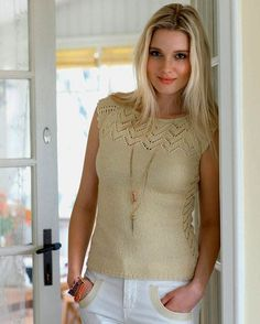 Korte raglanærmer giver flotte feminine skuldre, og det er en kærkommen kontrast til sommerens shorts.