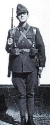 Romanian Infantryman in 1941 campaign uniform - pin by Paolo Marzioli