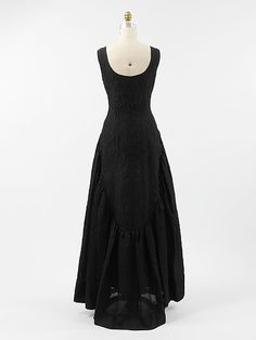 Silk evening dress by Cristobal Balenciaga (Spanish, 1895–1972) for the House of Balenciaga  (French, founded 1937), ca. 1962.  The Metropolitan Museum of Art