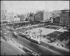 Πλατεία Κοραή, Πειραιάς, 1966. Old Photos, Vintage Photos, Athens Greece, Good Old, Old Town, Times Square, Nostalgia, Explore, Country
