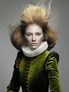 Époque   Errol Douglas hair