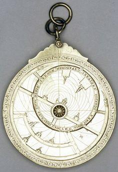 Astrolabe; brass; a) Hispano-Moorish Gothic type rete; graduated rim 0-90-0-90-0; 13 star-pointers; zodiac connected to Capricorn circle; wo...