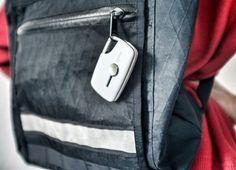 #XYNC od #Mosi - Zintegrowany przewód Micro #USB oraz wysuwany port USB, ukryte kieszonki na dodatkowe karty SIM.