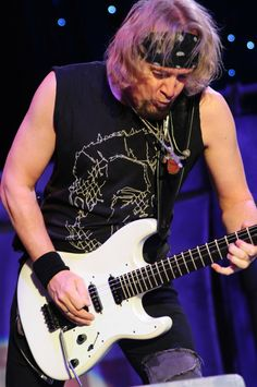 Adrian Smith Iron Maiden Live, Iron Maiden T Shirt, Iron Maiden Band, Bruce Dickinson, Adrian Smith, Rock And Roll Bands, Rock Groups, I Love Music, Rock Legends